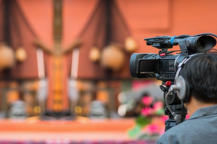 closeup-video-cameraman-taking-photograp-to-the-st-2021-04-06-07-45-43-utc