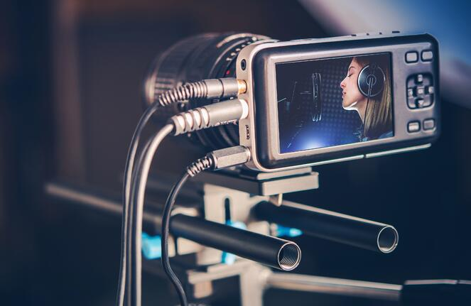 making-music-video-PYZ55BW